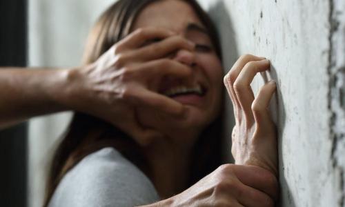 Судья предложил насильнику жениться на жертве-школьнице для избежания срока