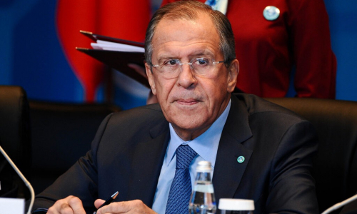 Глава МИД РФ лично возил российскую вакцину пациентам за океаном