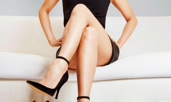Почему женщины скрещивают ноги